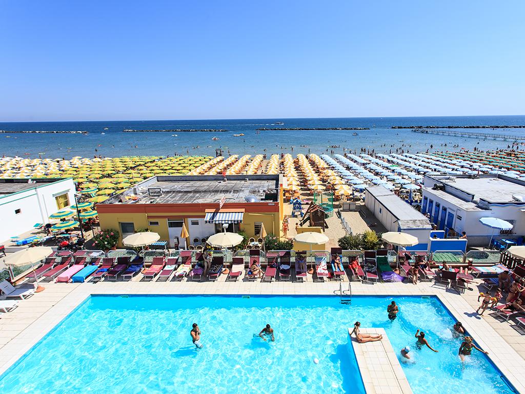 Listino prezzi hotel farsaglia villamarina di cesenatico pollini hotels cesenatico - Hotel cesenatico con piscina ...