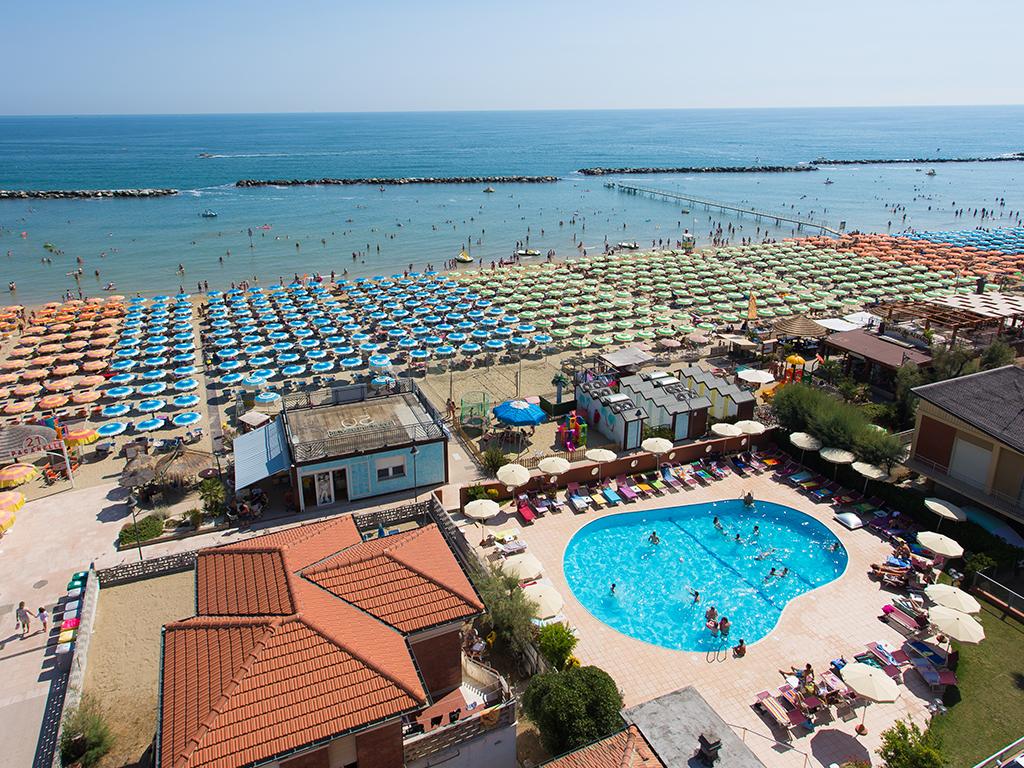 Hotel miramare gatteo mare pollini hotels - Hotel gatteo mare con piscina ...