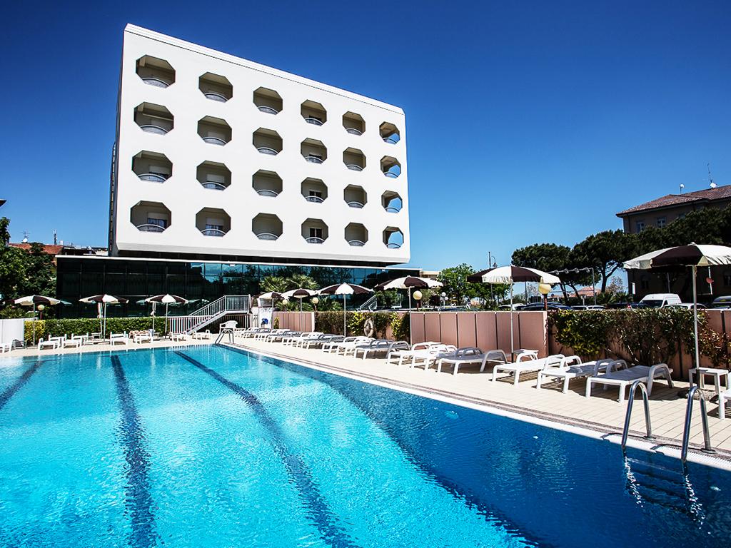 Hotel san pietro cesenatico pollini hotels cesenatico villamarina di cesenatico - Hotel cesenatico con piscina ...